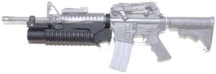 M4A1に装着したコルト M203