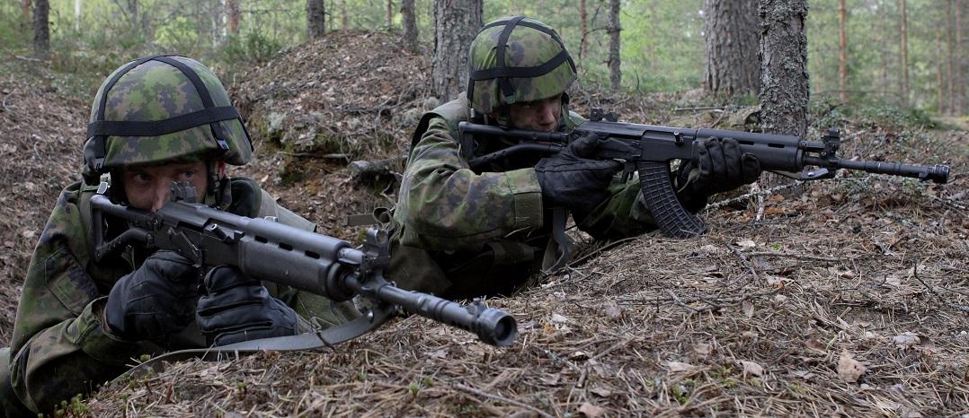 Rk95TPを構えるフィンランド国防陸軍兵